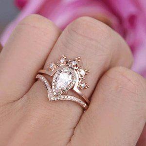 18K Rose Gold Diamond Pear Cut Crown 2PC Ring Set